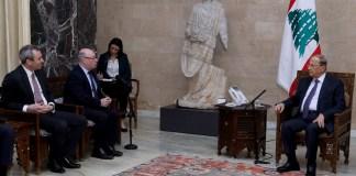 Le Président de la République, le Général Michel Aoun en compagnie de Burt Alistair. Crédit Photo: Dalati @ Nohra