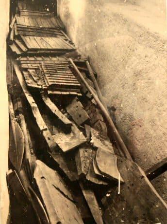 Barque solaire reconstituée ayant servis de barque funéraire retrouvée en 1954 devant la pyramide de Gizeh