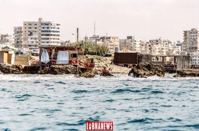 Le port de Tyr: Balade au large de Tyr, sud Liban. Crédit Photo: François el Bacha, pour Libnanews.com. Tous droits réservés.
