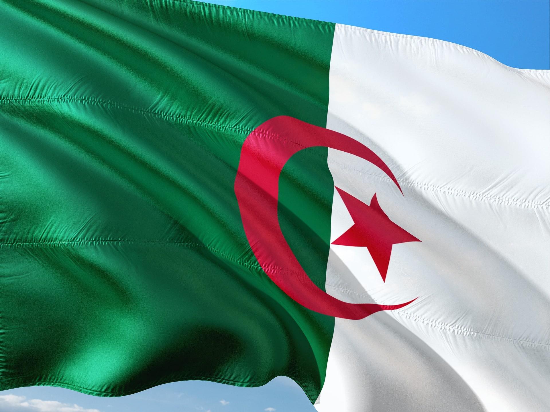 Algérie Lheure Des Comptes Et Des Grandes