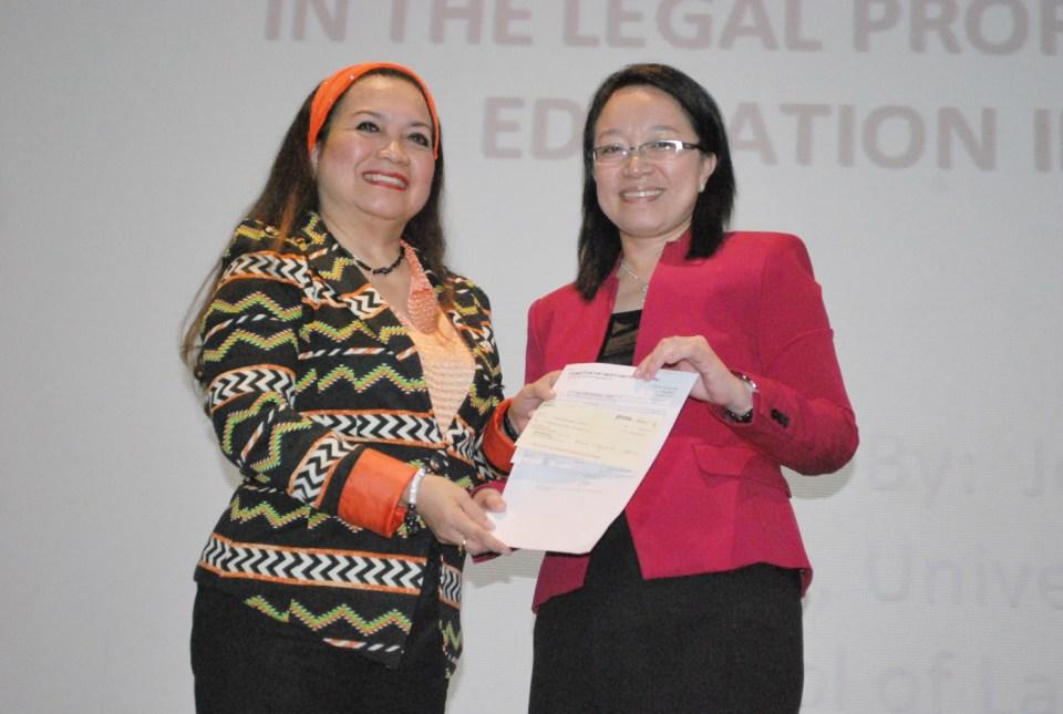 FLP President Evelyn Toledo-Dumdum and USC Dean Joan Largo