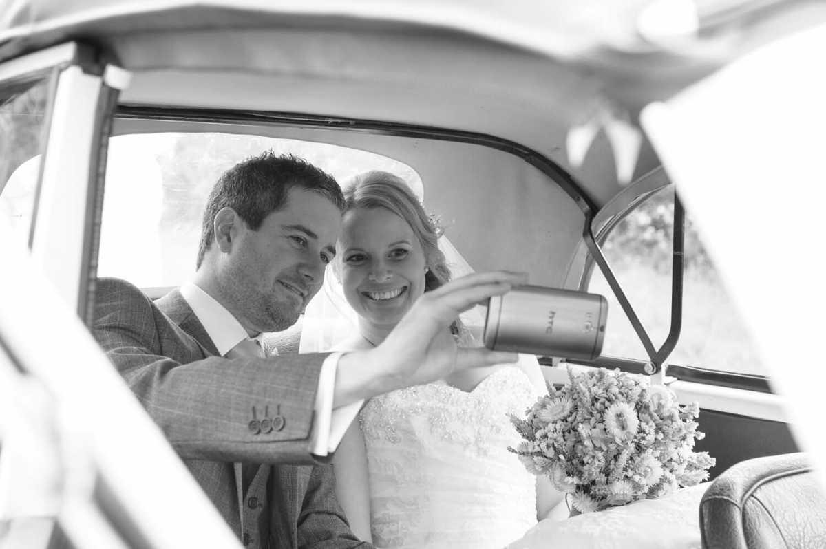 wedding-selfie-bride-groom