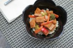 peanut red pepper broccoli stir fry recipe | librarian style
