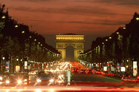 champs-elysees-arc-triomphe