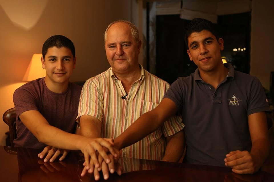 A képen Kubala László középső fia, Carlos és két unokája: Ján Kubala és Ferenc Kubala.