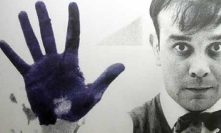 A férfi, aki feltalált egy színt - Klein