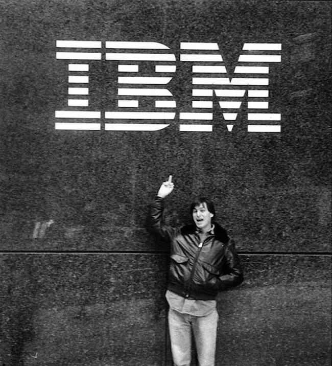Steve Jobs giving IBM the middle finger. [1983]