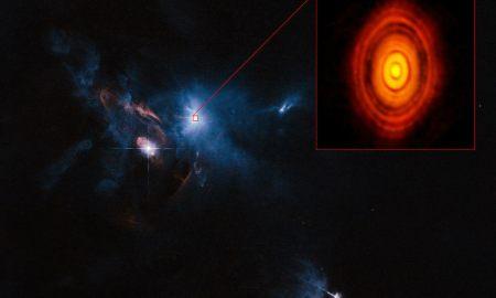 Új bolygórendszer született - fotó