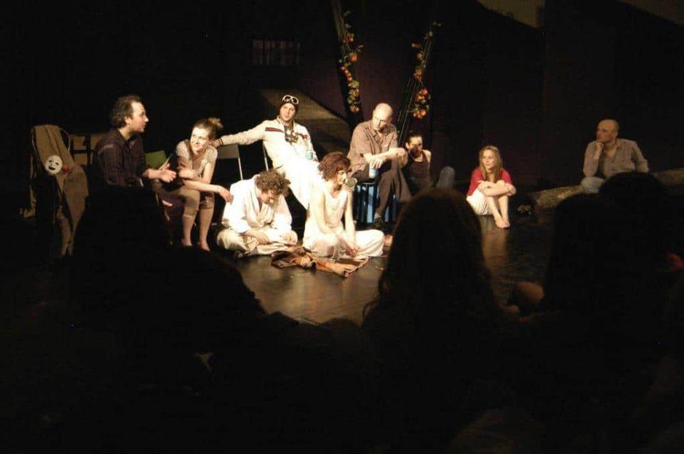 A Radikális Szabadidő Színház társulatának tagjaival, előadás után, közönségtalálkozón, Fotó: Weiner Sennyey Tibor