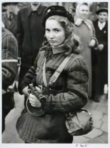 szovjet katonanő