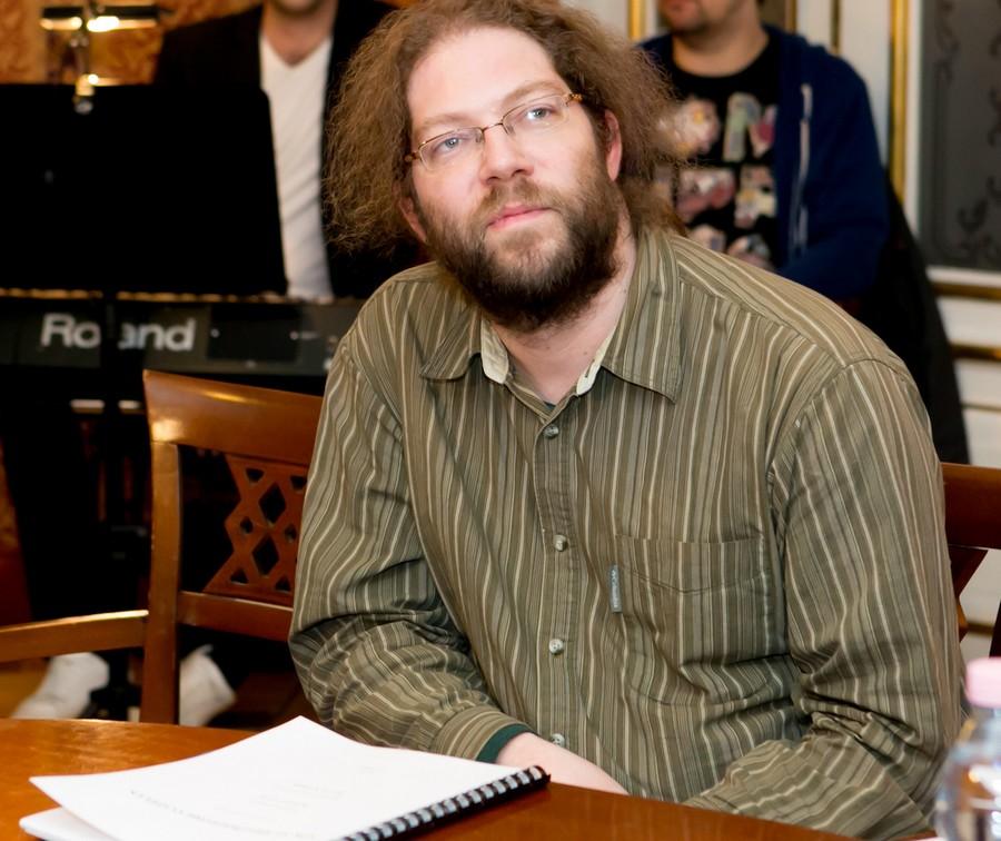 Varró Dániel az olvasópróbán (Fotó: Kállai-Tóth Anett)