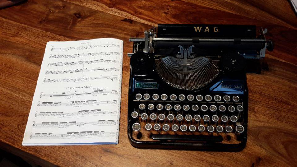 Írógépzene - a kotta és a hangszer