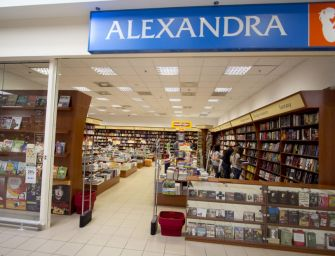 Befektetőt keresnek a több mint 3 milliárddal adós Alexandrához