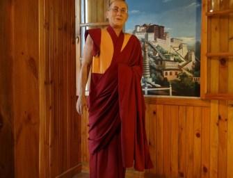 A dalai láma akkor most vallási vezető vagy politikai menekült?