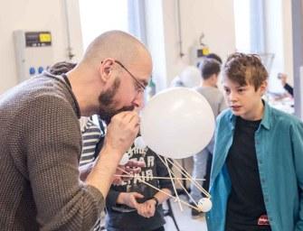 Egy módszer, amivel a reál tárgyakat is játszva tanulják a diákok – Interjú Lipóczki Ákossal