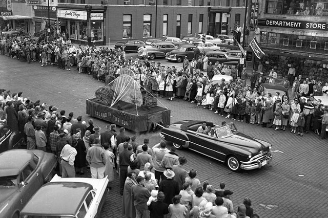 1957 UNK Homecoming parade