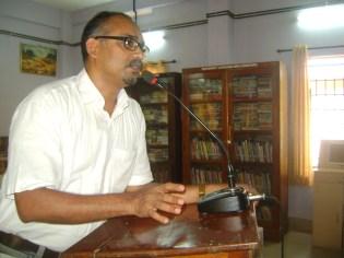 Sh. O P Suresh, Poet inaugurates National Library Week 2016.