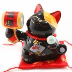 chat-noir-heureux-s-chat-porte-bonheur-maneki-neko-japon-japonais-fortune-chance-porcelaine-ceramique