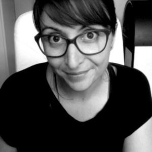 Sophie Bonnomet créatrice de la maison d'éditions de livres textile Allez-zou éditions