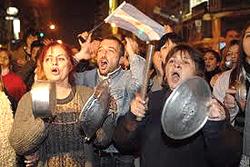 La protesta argentina, esplosa all'inizio del 2002