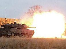 Tank tedesco Leopard 2 in azione
