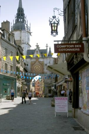 Maison a Colombage - Rue piétonnière, Tour de l'horloge coté est