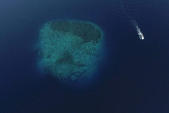 Isla bajo el mar