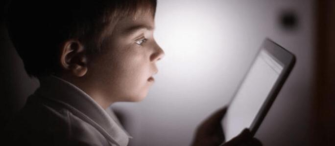 Los niños, la edad y la tecnología