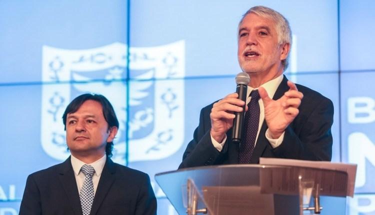 Peñalosa anuncia incentivo para taxistas si disminuyen accidentalidad en Bogotá