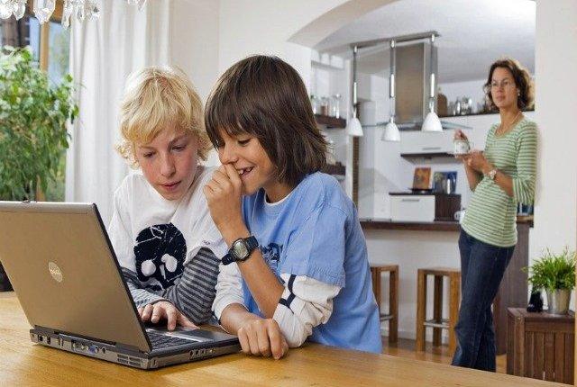 Cómo cuidar a los jóvenes y niños en el mundo digital