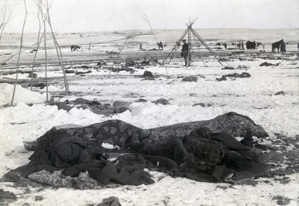 Wounded_Knee_aftermath3