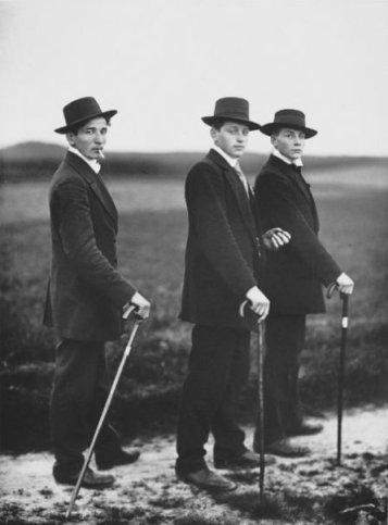 august-sander-three-farmers-on-the-way-to-a-dance-1913-1