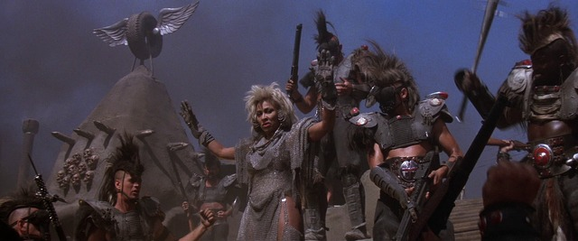 Mad Max oltre la sfera del tuono (1985) di George Miller