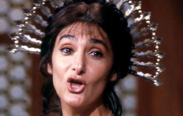Anna Marchesini è Lucia Mondella nella miniserie de I Promessi Sposi (1990)