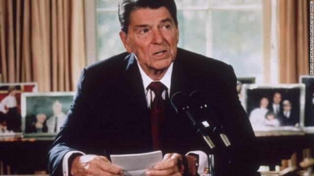 Il presidente Ronald Reagan