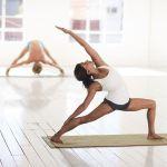 practicar ashtanga yoga para lograr el equilibrio