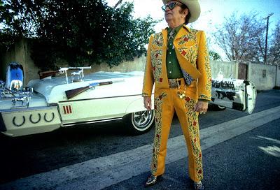 Nudie Cohn, el hombre que inventó el traje para anunciarse a uno mismo. Malcolm Larder