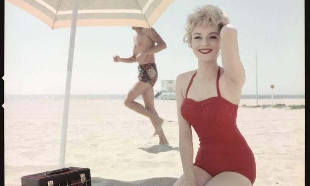 Peter Gowland, el fotógrafo de las chicas de las playas californianas