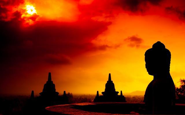 Siapapun pasti tidak ingin melewatkan moment magis selama Berburu Sunrise Di Borobudur.