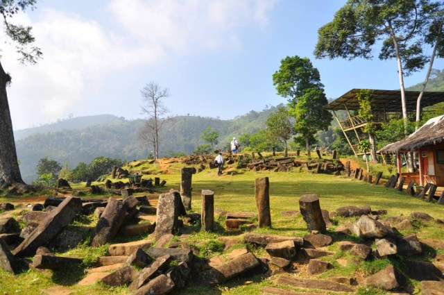 Situs Gunung Padang, salah satu alternatif tempat liburan antimainstream di luar Kota Bandung