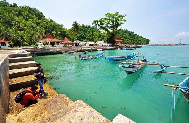 Pantai Sadeng, di Yogyakarta.