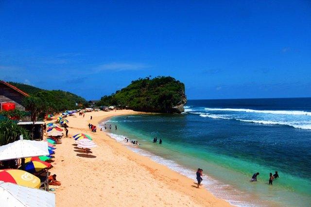 Pantai Indrayanti di Yogyakarta