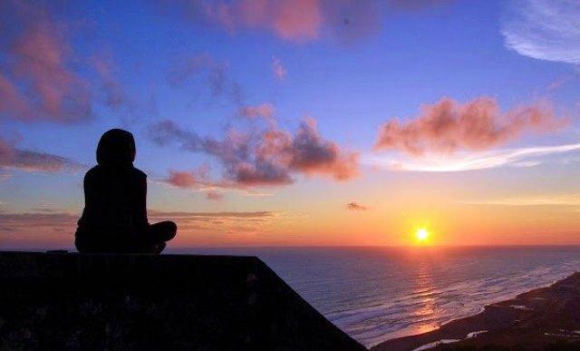 Tempat wisata Bukit Parang Endog adalah salah satu tempat terbaik untuk menikmati senja di Yogyakarta.