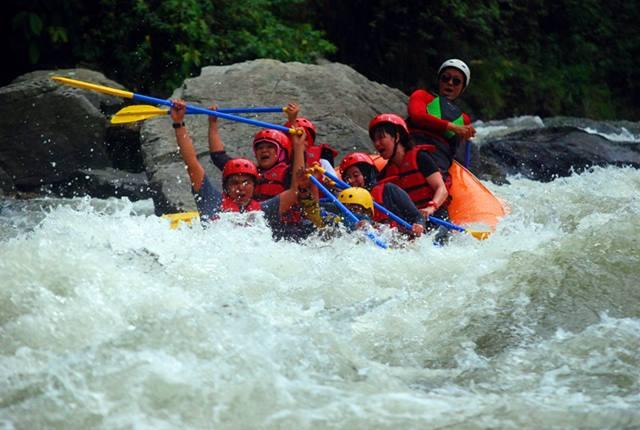 Pacu Adrenalin Kalian Di Sungai Manna, Pagar Alam!