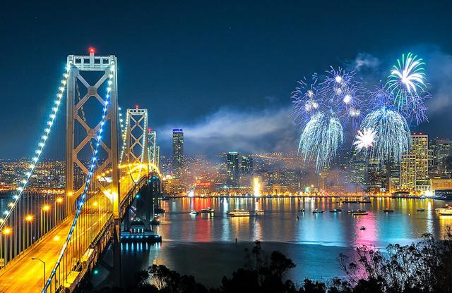 Parade kembang api di San Fransisco