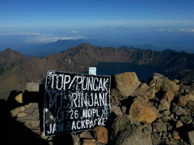 Puncak Gunung Rinjani adalah idaman para pendaki!