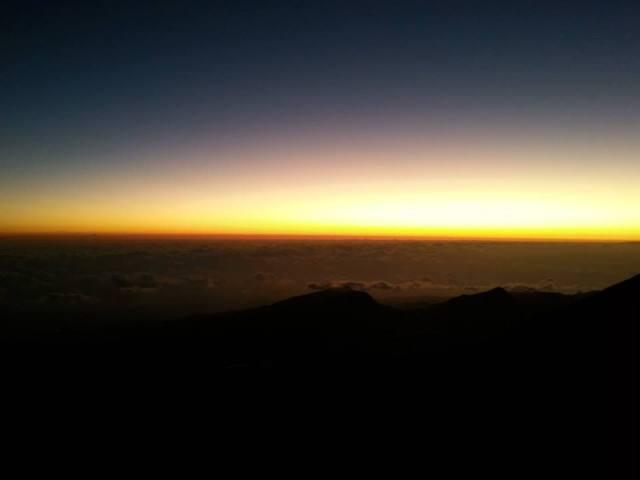 Sunrise dari Gunung Rinjani yang mempesona.