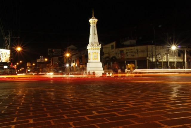 Tugu, salah satu monumen terkenal di Yoyakarta.