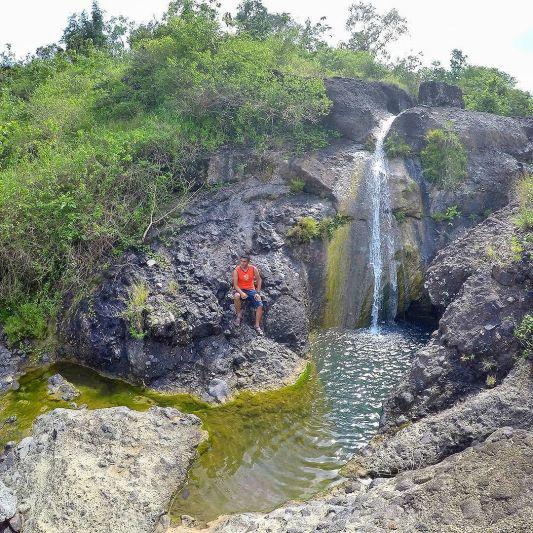 Kedung Simin objek wisata Tulungagung berupa air terjun mini by @bendottetapsemangat