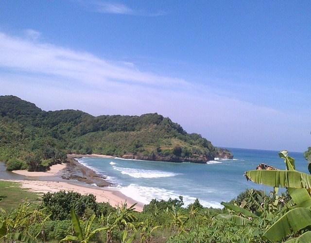 Pantai Molang, Pantai Asik Untuk Mbolang!